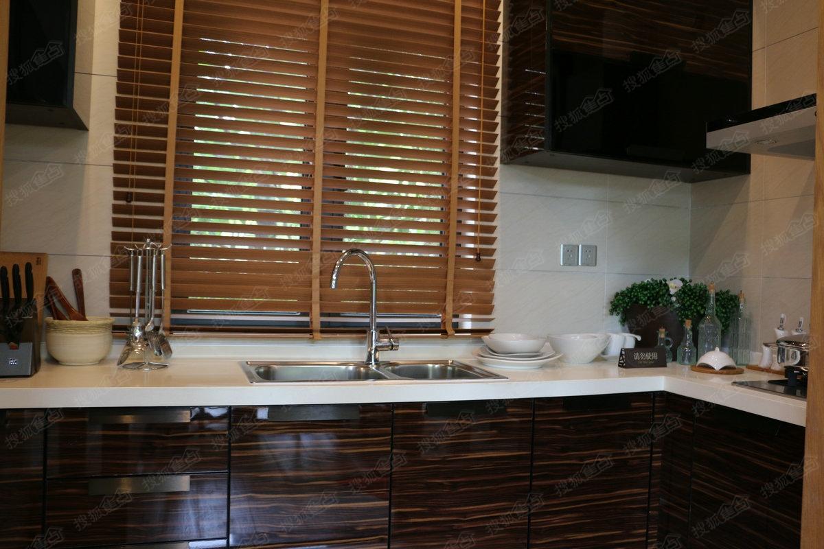 中海神州半岛林屿墅a户型样板间—厨房