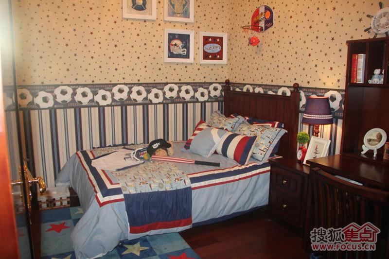 恒大御景半岛二期14号楼93平米两室样板间之次卧儿童房